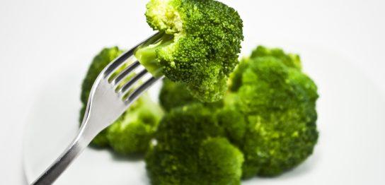 ブロッコリーを食べるとバストアップができますか?