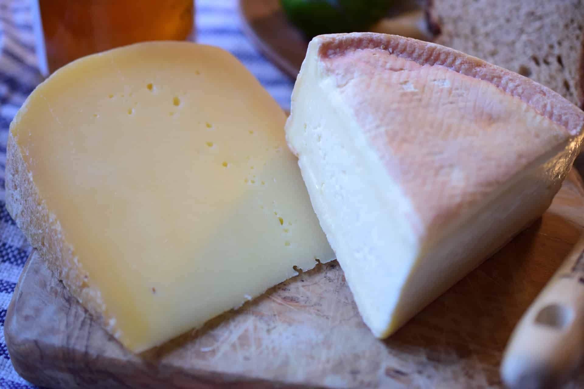 胸を大きくするというチーズですが食べても太りませんか?