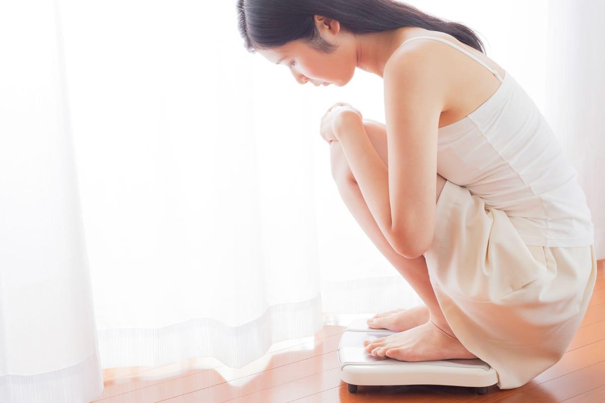 女性ホルモン不足だと貧乳になるって本当ですか?