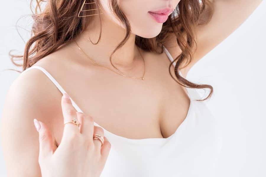 胸の垂れは予防できる?予防方法と垂れた胸の改善方法とは?
