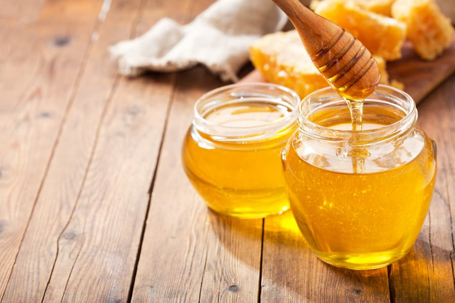 ハチミツの主な成分ブドウ糖と果糖はエネルギーの素