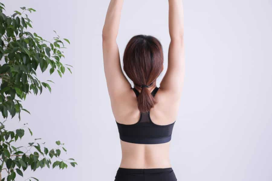 エクササイズで胸を支える筋肉などを鍛えることは、胸を大きくする助けとなります