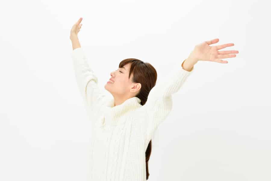 運動によって胸の形が崩れるのは運動による刺激が胸の組織にダメージを与えるからです