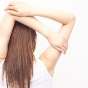 背筋を鍛えるとバストアップに効果はある?