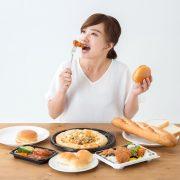 太ることで胸が垂れる原因とは?