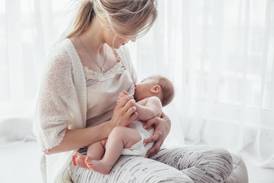 産後に胸を大きくするためには何が必要?