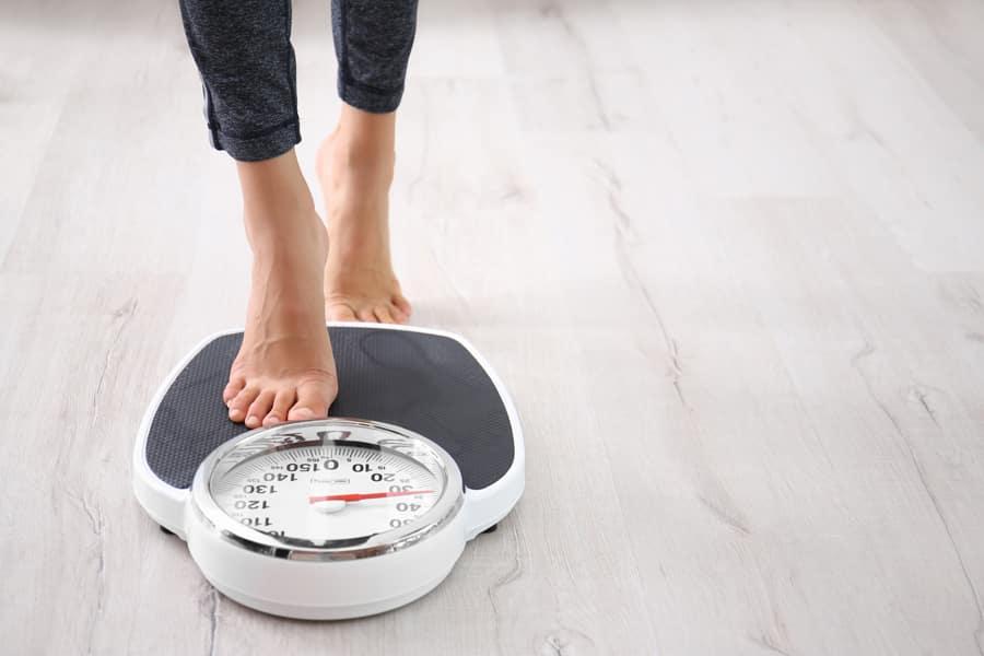 無理なダイエットによる栄養不足