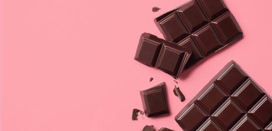 チョコレートを食べるとバストアップできるの?