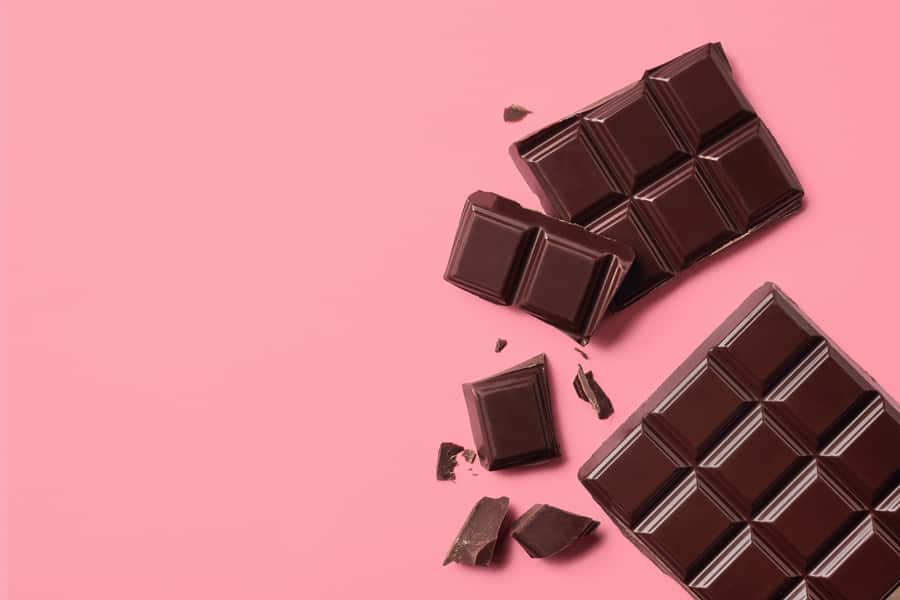 チョコレートに含まれるポリフェノールがバストアップに役立ちます