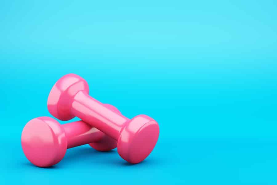 ダンベルで大胸筋を鍛えることがバストアップにつながります