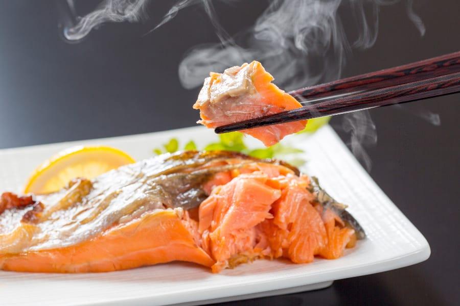 鮭は、美容やアンチエイジング効果も期待できます