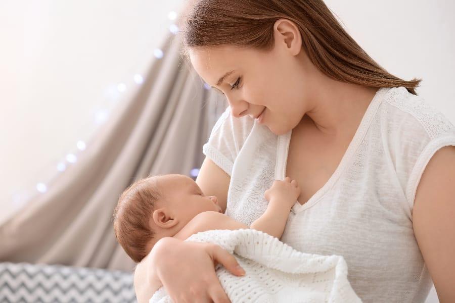 妊娠出産、そして授乳でしぼんだ胸はセルフケアで改善を目指せます