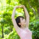 女性の胸の垂れの原因と年齢による変化について