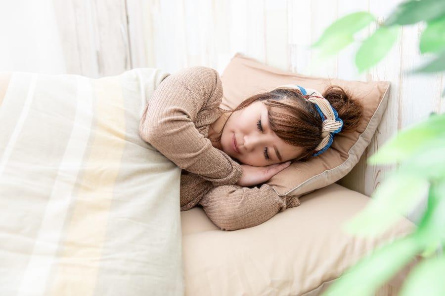 バストアップには寝るときもブラをしていた方がよい?