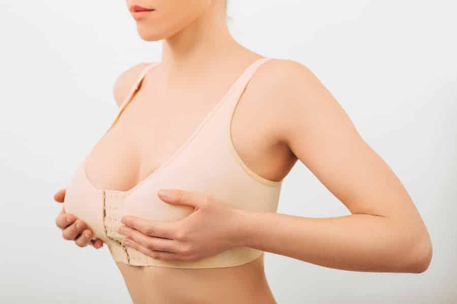 胸が垂れる原因は乳腺にあるって本当?