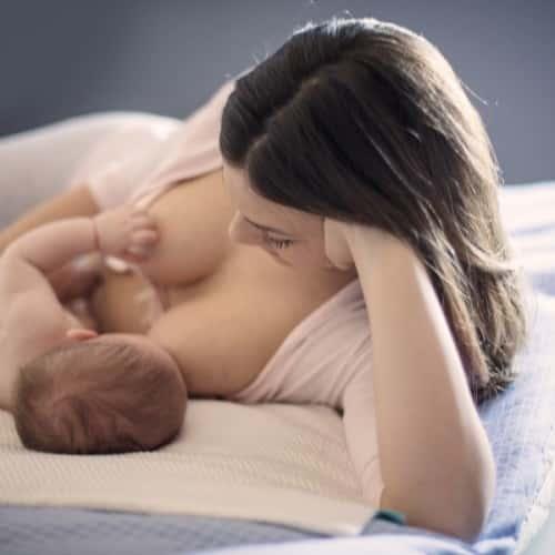 産後のママ必見!!授乳後も元のように胸を大きくする方法をご紹介!