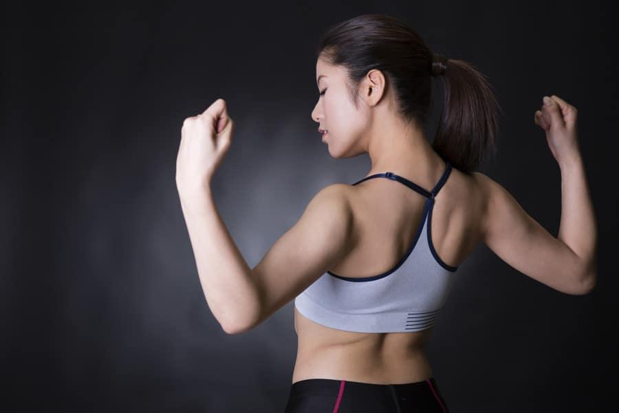 肩甲骨ほぐし(姿勢を良くしてバストの広がりを防ぐエクササイズ)